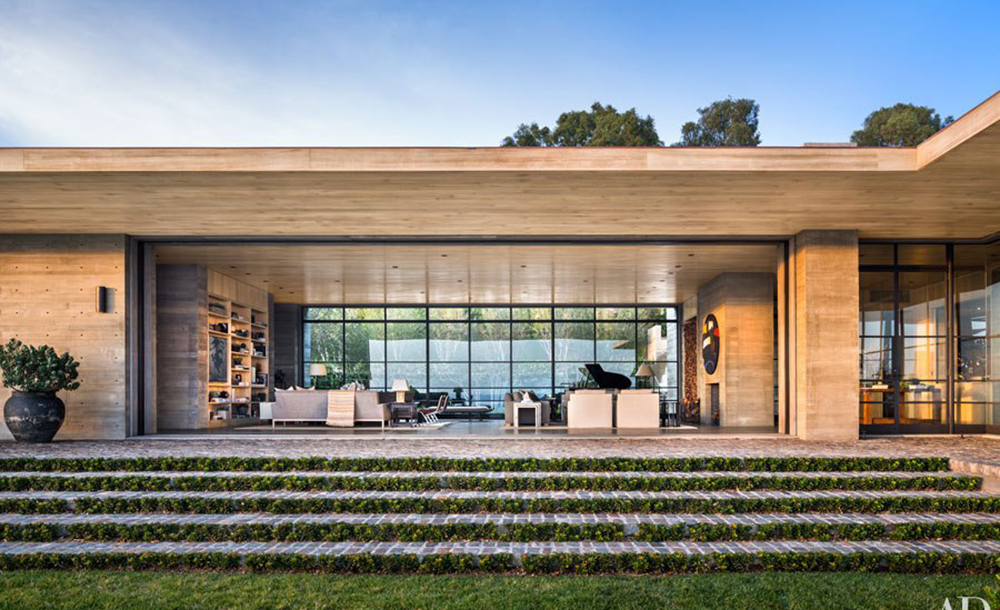 Inside kurt rappaport s malibu home whale lifestyle for Architectural digest country homes