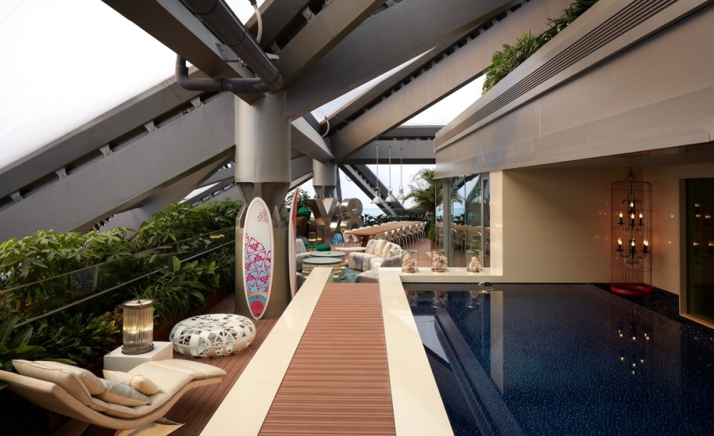 Hotel Éclat  Whale Lifestyle. HuaJiaShan Resort Hotel. Auberge Le Vincent. Holiday Inn Dusseldorf. Horizont. Vincci Helios Beach Hotel. Romance Another Story In Pai Hotel. Aqua Hotel Onabrava. Thermae Palace Hotel