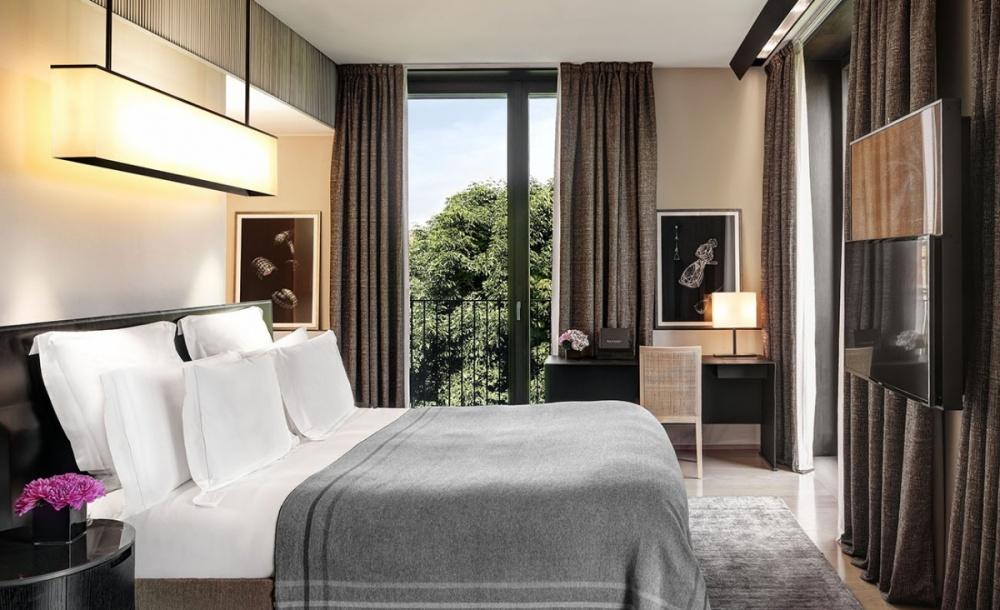 Bulgari hotels resorts whale lifestyle for Design hotel milan