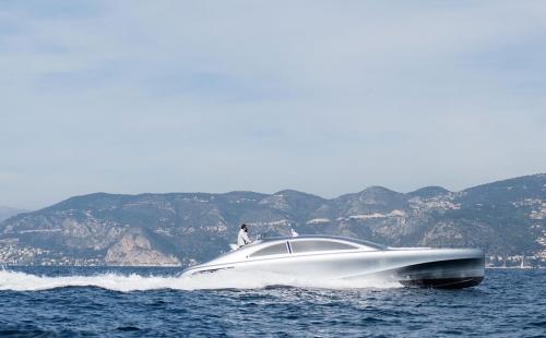 Mercedes-Yacht-02