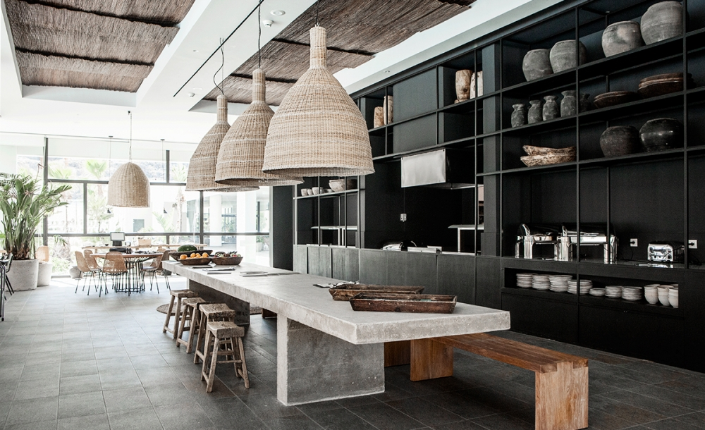 casa cook whale lifestyle. Black Bedroom Furniture Sets. Home Design Ideas