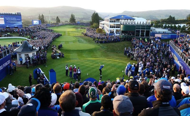 Europe's Justin Rose plays off the 1st tee during the fourball match on the first day of the Ryder Cup golf tournament, at Gleneagles, Scotland, Friday, Sept. 26, 2014. (AP Photo/Peter Morrison)
