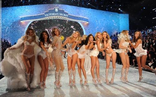 Victoria's Secret Fashion show 2013 final scene (Lexington Avenue Armory, New York, 13.11.2013)